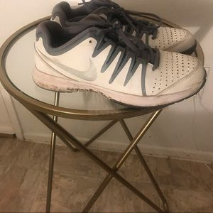 Women's Tennis shoe